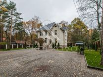 Дом 600 м² на участке 20 сот.