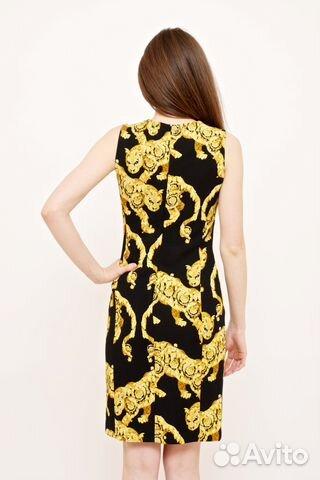 Платье черно желтое от версаче