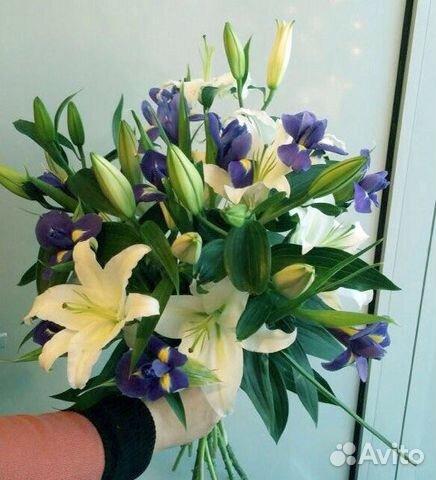 Фото букет цветов в руках