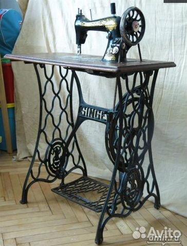 Механическая швейная машинка с ножным приводом купить