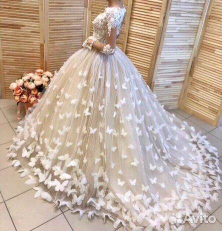 693224aeada Свадебное платье со шлейфом с бабочками А1617 купить в Санкт ...