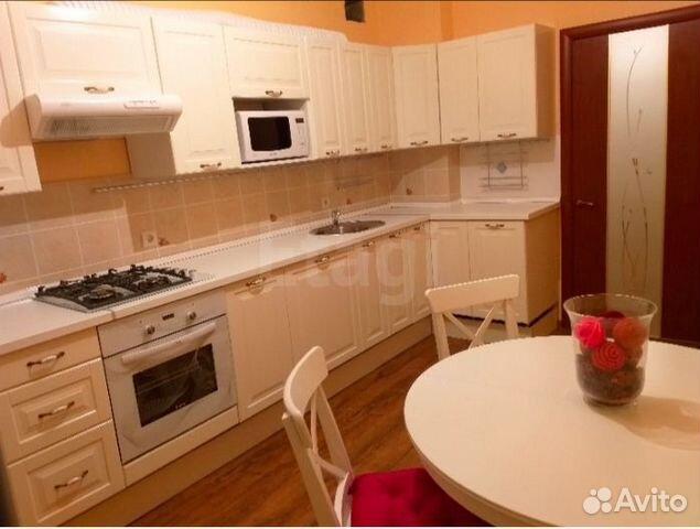 Продается двухкомнатная квартира за 4 700 000 рублей. 60 лет Октября,15.