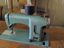 Продаю польскую швейную машинку в отличном рабочем